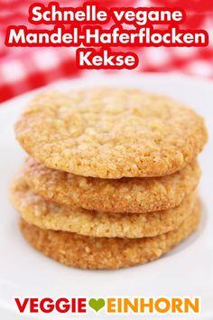 Vegane Kekse   MANDEL-HAFERFLOCKEN COOKIES Healthy Cookie Recipes, Healthy Cookies, Vegan Recipes, Cookies Sans Gluten, Desserts With Chocolate Chips, Pecan Tarts, Toasted Oats, Cherry Cookies, No Bake Treats