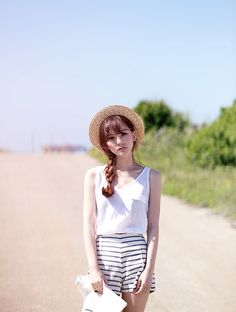 stripe shorts, white tank, straw hat *also possibly Romantic Natural Gamine Korean Fashion Summer, Korean Fashion Casual, Korea Fashion, Kpop Fashion, Cute Fashion, Asian Fashion, Girl Fashion, Fashion Outfits, Fasion