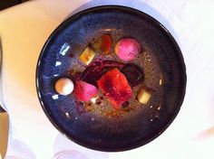 Cured salmon and beetroot starter at L'Ortolan. Review of set menu lunch for four. #michelinstar #eatingout