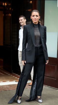 Blake Lively Wore a Suit For Every Meal Today: Breakfast, Lunch, Snack, Dinner, and Dessert Blake Lively Outfits, Blake Lively Style, Work Attire Women, Suits For Women, Blake And Ryan, Cool Outfits, Casual Outfits, Girl Fashion, Fashion Outfits