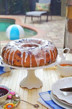 Very Simple and Delicious recipe! Your family and friends are going to Love this melt in your mouth cake! Blueberry Sour Cream Cake, Gourmet Desserts, Glaze Recipe, Pound Cake Recipes, Slow Cooker Chicken, Yummy Food, Baking, Simple, Ethnic Recipes