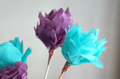 Here are some gorgeous Mother's Day flowers with a difference - they're all made from paper! In this tutorial, you will learn four different techniques for creating paper flowers by folding,...