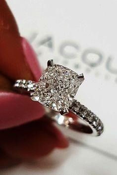 Best Engagement Rings That Every Bride Will Love best engagement rings white gold princess cut solitaire pave band diamond More on the blog: #wedding #engagementrings #bestengagementrings