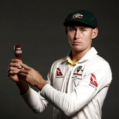👉 Called up midway through the Test 👉 Makes a crucial half-century 👉 Shines on debut Rate Marnus Labuschagne's performance at… Crowd Images, Ashes Cricket, Cricket Wallpapers, Cricket Sport, Crickets, Green Shirt, Urn, Cool Photos, Australia
