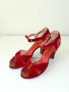RESERVED vintage 1930s Shoes // Velvet Evening by DeseoVintage, $160.00