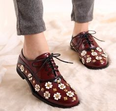 2014 Fashion British Style Lacing Flower Decoration Shoes Thick Heel Oxford Shoes for Women Free Shipping US $30.88