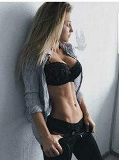 Only Ripped Girls Body Inspiration, Fitness Inspiration, Motard Sexy, Ripped Girls, Gym Girls, Athletic Women, Sexy Hot Girls, Perfect Body, Sexy Body