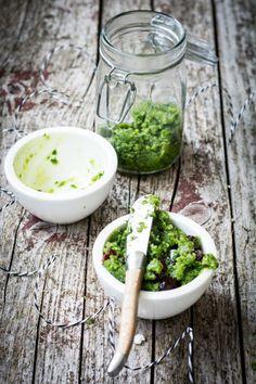 Bärlauch-Pesto mit Cranberries / perfekt zu frischem Brot, Pasta, Fleisch & Fisch   schmecktwohl.de