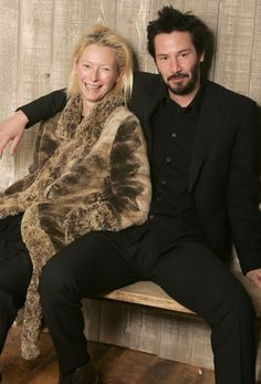 Tilda Swinton and Keanu Reeves // photog: Jeff Vespa, 2005 Tilda Swinton, British Actresses, Actors & Actresses, Keanu Reeves Biography, Beautiful Men, Beautiful People, Keanu Charles Reeves, Carolina Herrera, Famous Faces