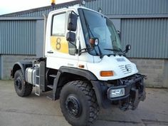 Mercedes Benz Unimog U400 Tractor unit