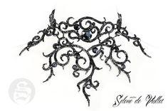 Collier à ornements de cuir couverts de perles de verre facettés, pierres acryliques en noir, confectionné avec du fil nylon noir.  Style: Fantasy, romantique et distingué, a - 13069011