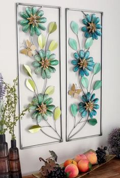 Beautiful and bold this floral metal wall decor is perfect for your living room or office. Compliments most home decor themes. Iron Wall Art, Iron Wall Decor, 3d Wall Decor, Home Wall Art, Wall Decorations, Floral Wall, Metal Walls, Paper Crafts, Living Room