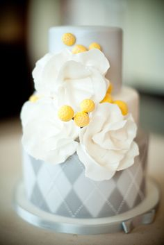 Yellow and gray wedding cake. By gimmesomesugarlv.com / Photography by ronmphoto.com. #ThePerfectPalette