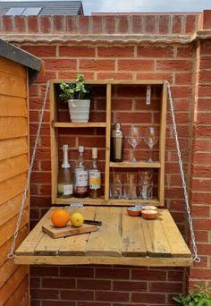 Diy Wooden Projects, Wooden Diy, Rustic Outdoor Bar, Outdoor Decor, Murphy Bar, Kirkland Home Decor, Outdoor Furniture Plans, Gin Bar, Woodworking Inspiration