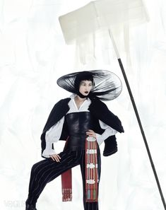 """Fashion on the Couch: Editorial Vogue Korea January 2015 """"New Year Style"""" Feat. Sera Park, Yun Young Bae By Sang Sun Ogh White Fashion, Unique Fashion, Fashion Art, Editorial Fashion, Style Oriental, Oriental Fashion, Style Du Japon, Artistic Fashion Photography, Modern Hanbok"""