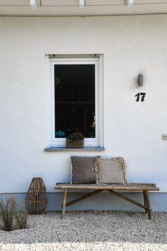 Naturnaher Garten im modernen Farmhaus-Stil – mikaswohnsinn Modern, Lounge, Oasis, Inspiration, Outdoors, Furniture, Home Decor, Chair, Collection