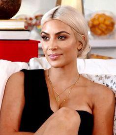 Kim kardashian makeup on keeping up with the kardashians - Beste Haarstyling Männer Feines Haar - Today Pin Kourtney Kardashian, Estilo Kardashian, Kardashian Beauty, Kardashian Style, Kardashian Jenner, Kardashian Quotes, Kardashian Workout, Kardashian Braids, Kardashian Wedding