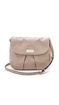 Marc by Marc Jacobs Women's Marchive Messenger, Pale Taupe, One Size Marc by Marc Jacobs http://www.amazon.com/dp/B00G9T5XK8/ref=cm_sw_r_pi_dp_uueQub0TBD6B8