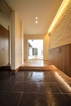 Portal, Natural Interior, Japanese Architecture, Entrance Doors, Kitchen Flooring, Interior Decorating, Interior Design, Diy Room Decor, Building A House