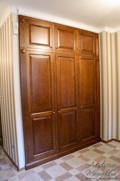 zabudowa z olchy w holu, meble angielskie na wymiar, entry closet & storage, classic hall, Bespoke fitted wardrobe - wykonanie Artystyczna Manufaktura