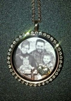 Beautiful rose gold Origami Owl Living Locket! I love it with the family portrait! I have my family portrait on the back of mine!