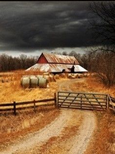 Barn   ..rh Country Barns, Country Life, Country Roads, Country Living, Farm Barn, Old Farm, Travel Sights, Beautiful Farm, Country Scenes