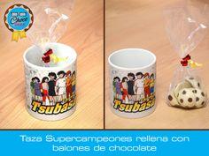 Taza de cerámica decorada con Super Campeones (#CaptainTsubasa), rellena con balones #ChocoGeek