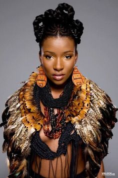 Its African inspired. African Accessories, African Jewelry, Black Women Art, Beautiful Black Women, African Inspired Fashion, African Fashion, African Beauty, African Women, Style Tribal