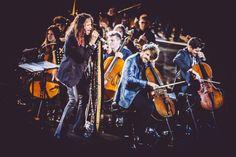 """(Por Karen Waleria) Steven Tyler e 2Cellos se apresentaram em um concerto privado de angariação de fundos de caridade, organizado por Andrea Bocelli. O evento foi realizado na noite de 8 de setembro, como parte da quarta edição do """"Celebrity Fight Night in Italy""""."""