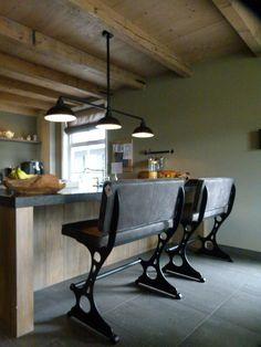 mooi in landelijke keuken Dealer: Oké Woonstyle  info@oke-woonstyle.nl  of  oddcollection2.0@gmail.com