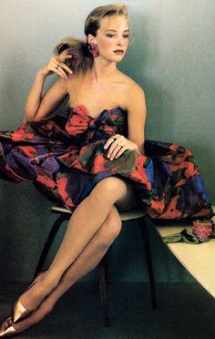 Sheila Metzner for American Vogue, November 1986. Dress by Oscar de la Renta.