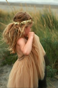 I know this is a flower girl but love the dress color and the bohemian style