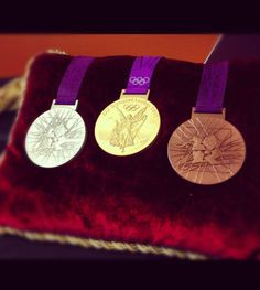 Dont they SHINE? What do you think of the medals for the 2012 #Olympics? --@NBCOolympics