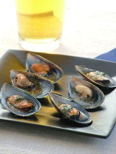 Cajun Butter Mussels - Chefs Pencil