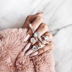 Luxury Nails – Great Make Up Ideas Cute Gel Nails, Cute Acrylic Nails, Glitter Nails, Pretty Nails, Gel Nail Art Designs, Elegant Nail Designs, Karel Gott, Luxury Nails, Style Vintage