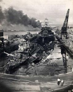 Aftermath of Pearl Harbour - December 7th, 1941. [599 x 750] : HistoryPorn