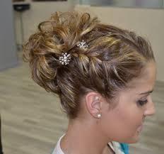 peinados de fiesta con trenzas y pelo recogido