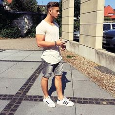 Best Casual Shirts For Men Summer Outfit Look Trendy Best Casual Shirts, Smart Casual Wear, Men Casual, Casual Styles, Classy Outfits, Casual Outfits, Looks Adidas, Urban Fashion, Mens Fashion