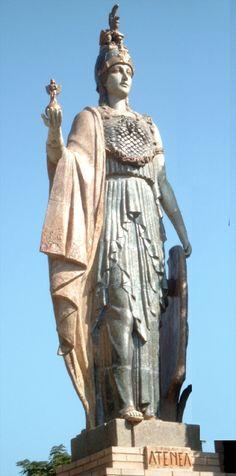 Atenea,también diosa de la justicia y el arte.