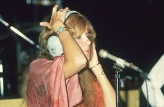 1970s 1975 fleetwood mac stevie nicks Lindsey Buckingham Mick Fleetwood Christine McVie in studio