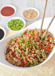 Egg roll in a bowl (Crack Slaw) as it is affectionately called is a staple in many low carb, keto and paleo diets. Quick and easy to prepare. Pork Egg Roll in a Bowl (Crack Slaw) -Low Carb, Paleo Treslyn Roberts treslyn_leigh This Week's Menu Egg r Paleo Recipes, Low Carb Recipes, Real Food Recipes, Dinner Recipes, Paleo Dinner, Paleo Food, Slaw Recipes, Cooking Recipes, Keto Foods