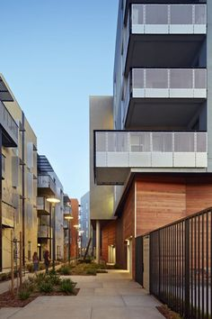 Station Center Family Housing /  David Baker + Partners Architects