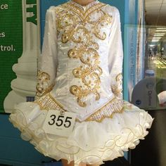 Very pretty. Usually I hate those skirts but this one is pretty.