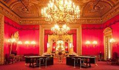 Das Casino Baden Baden gilt heute als eines der schönsten Casinos der Welt. Die Spielbank kann auf eine jahrelange, aufregende und glamouröse Geschichte zurückblicken. Gegründet wurde das Casino Baden Baden im Jahr 1838 durch den Pariser Spielbankpächter Jacques Benazet. Ab dem Jahr 1848 übernahm der Sohn Edouard Benazet die Spielbank. Marlene Dietrich bezeichnete das Casino Baden Baden einst als das schönste Casino der Welt