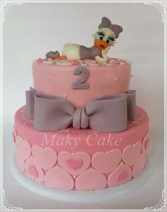 Daisy duck cake Daisy Duck Cake, Donald Duck Cake, Daisy Duck Party, 7th Birthday Cakes, Mickey Mouse 1st Birthday, Kids Party Menu, Rubber Duck Birthday, Bolo Mickey, Cool Cake Designs