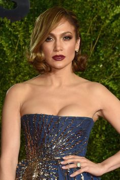 This Stunning Beauty Combo Was the Big Winner at the Tony Awards. Here's Why
