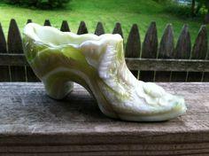 Vintage Green Slag Glass Shoe Flower Pattern