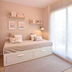 i loft you – Interior Design – Diseño asequible para la vida real – Baby Room 2020 Bedroom Layouts, Room Ideas Bedroom, Home Bedroom, Modern Bedroom, Bedroom Decor, Daybed Room, Small Room Decor, Cozy Room, Fashion Room