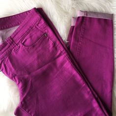 """Pink Jeggings Jean like jeggings, some tiny snags throughout all pictured but insignificant, no rips, tears, or major fading. Lots of life left, priced according to wear. TTS {inseam: 30"""", waist measures 38"""" and can stretch to 40""""} materials: cotton/poly/spandex Forever 21 Pants Leggings"""