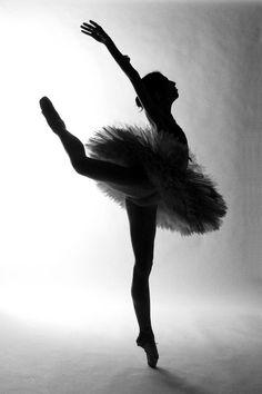 Black & White. ✯ Ballet beautie, sur les pointes ! ✯